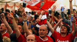Fußballfans fordern mehr soziales Engagement von ihren Vereinen © Jeff J Mitchell/ iStock/ Thinkstock