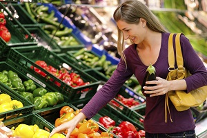 In einem grünen Supermarkt ist nicht nur das Gemüse grün ©iStock