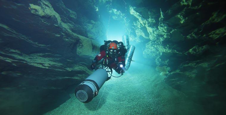 Die Höhlenforschung in der Blautopfhöhle ist auch in Sachen Grundwasserschutz ein spannendes Thema