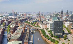 Damit die Großschiffe besser in den Hamburger Hafen kommen, soll die Elbe vertieft werden © SergiyN/ iStock/ Thinkstock