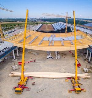 Neue Messehalle mit nachhaltigem Dach