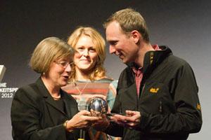 Jack Wolfskin erhält Sonderpreis für Recyclingpapier