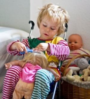 In Spielzeug und anderen Alltagsprodukten sind häufug Schadstoffe enthalten. Fernow/Model Release/Thinkstock Photos