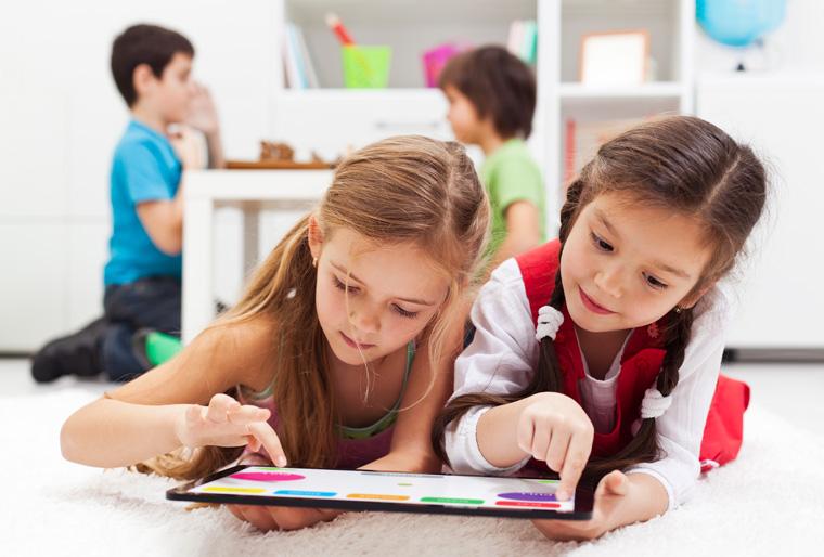Kinder lernen spielerisch mit dem Online-Magazin ökoLeo.