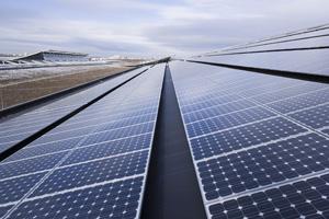 Riesige Solaranlage von Planet Energy