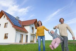Auch privat kann sich Photovoltaik lohnen. © altrendo images/Stockbyte/Thinkstock