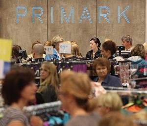 Primark verkauft günstige Kleidung, aber wie sieht es mit den Arbeitsbedingungen aus? © Sean Gallup/Getty Images News/Thinkstock