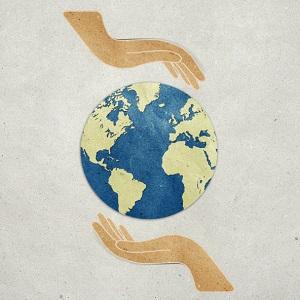 Die Erde mit Recyclingpapier schützen. © kanate/iStock/Thinkstock