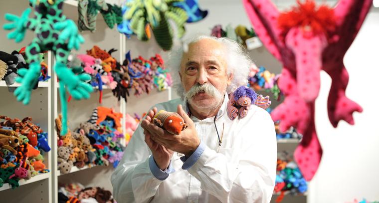 Robert Békési an seinem Stand auf dem Bazaar Berlin 2015