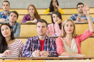 Studenten können jetzt in der Hochschule Klimaschutz und Klimaanpassung studieren © Wavebreakmedia Ltd/ Wavebreak Media/ Thinkstock