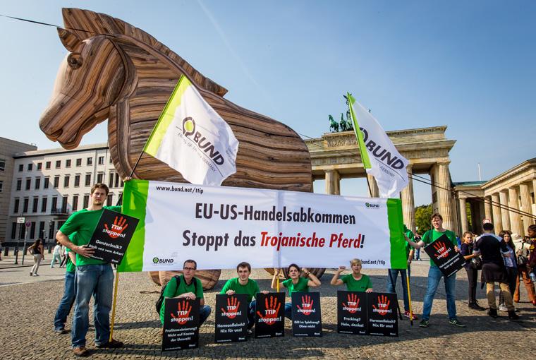 TTIP jetzt mit einer Unterschrift stoppen