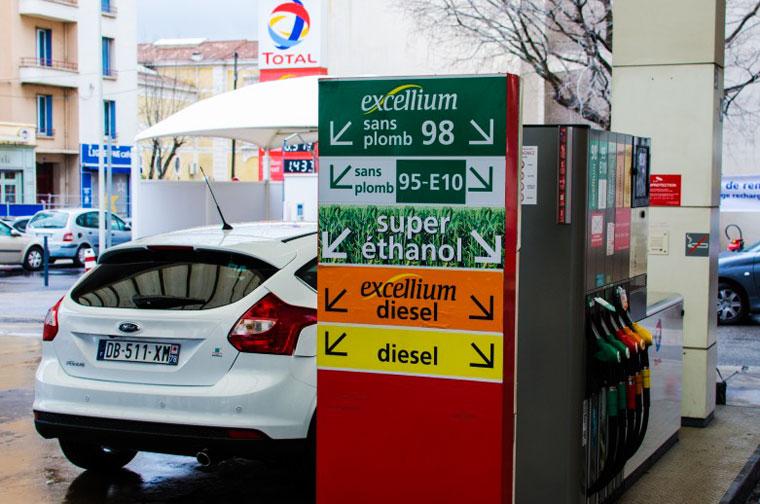 In Frankreich liegt der Marktanteil von Super E 10 bei 40 Prozent, in Deutschland nur bei knapp 13