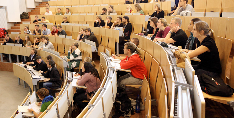 Immer mehr junge Menschen entscheiden sich für grüne Studiengänge und nachhaltige Berufe