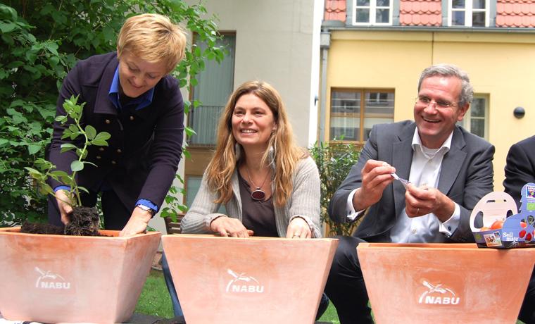 Sarah Wiener ist deutsche Botschafterin von Rettet unsere Böden