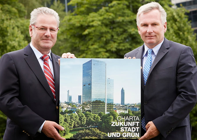 August Forster, Präsident des Bundesverband Garten-, Landschafts- und Sportplatzbau e. V. und Michael Beier, Vorstand der Heinz Sielmann Stiftung