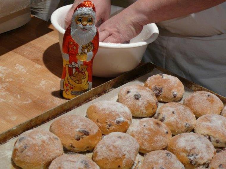 Kreative Idden zum Thema foodsharing gesucht z.B. Schokobrötchen aus alter Sckokolade