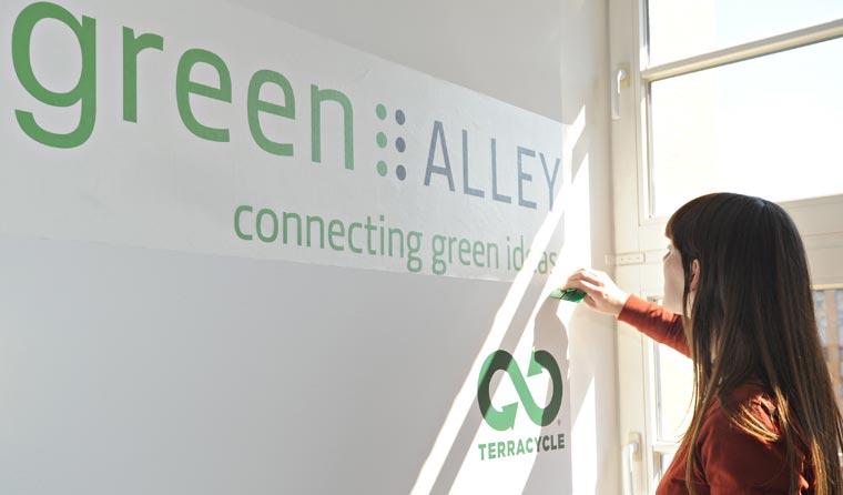 Der Green Alley Award ruft grüne Start-Ups und junge Gründerinnen und Gründer auf, ihre innovativen Geschäftsmodelle vorzustellen.