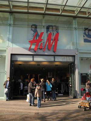 H&M zieht die eigenen Mitarbeiter zur Verantwortung ©tnarik (CC BY-SA 2.0)