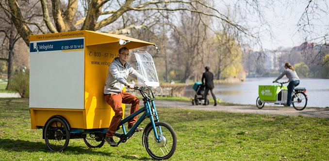 Lastenräder bzw. Cargobikes sind eine perfekte, emissionsfreie und leise Möglichkeit für den innerstädtischen Transport von Gütern © Aleksander Slota/VCD
