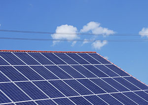 Solarstrom kann jeder daheim produzieren. Doch was tun, wenn es rechtliche Schwierigkeiten gibt? © lichtkunst.73  / pixelio.de