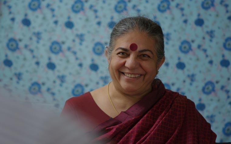 Vandana Shiva, indische Aktivistin und Wissenschaftlerin sowie Gründerin von Navdanya, einer Stiftung, die indischen Gemeinden hilft, landwirtschaftliche Samenbanken einzurichten.