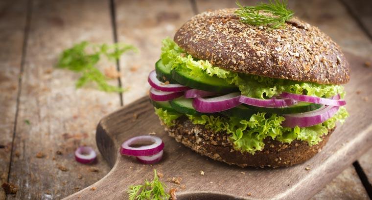 Wer bei seiner Ernährung auf Tierprodukte verzichtet, der kann damit längerfristig chronischen Krankheiten wie Diabetes vorbeugen.
