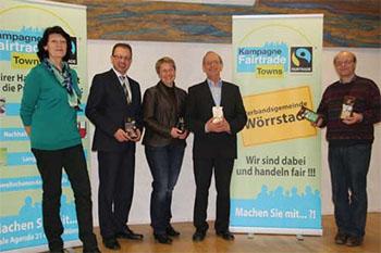 v.l.n.r. Ina Köhler, Bürgermeister Markus Conrad, Gertrud Weisgerber, Eberhard Bürgers und Christian Schnabel. Foto: vgwoerrstadt.de