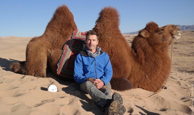 Auf einem Kamel durch die Wüste