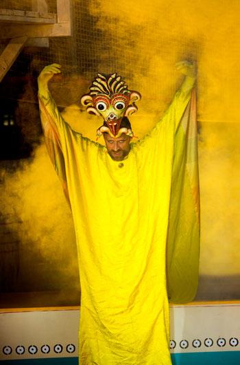 Die Masken und Kostüme sind aufwendig von Hand gearbeitet © Schauspiel Leipzig/ Zoo Leipzig