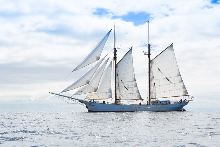 Erstes deutsches Frachtsegelschiff sticht in See