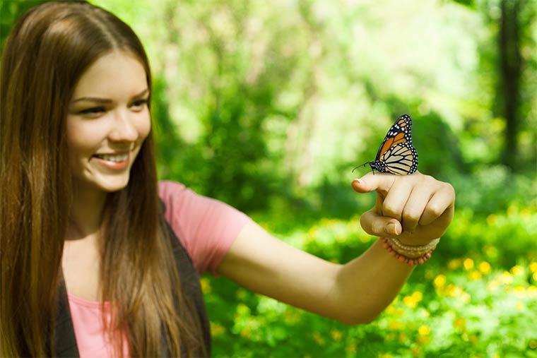 Biodiversität beschreibt Vielfalt in der Tier- und Pflanzenwelt.