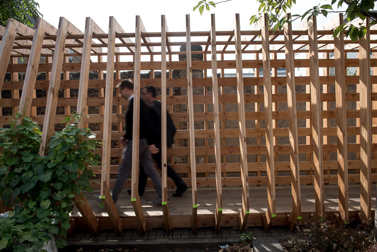 Baustellensicherung verschmilzt zu nachhaltiger Kunst