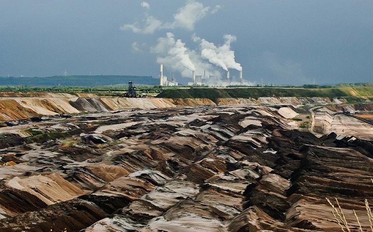 Unausweichlich, aber hart umkämpft: Der Ausstieg aus der Braunkohle kann erheblich zum Erreichen der deutschen Klimaschutzziele beitragen.