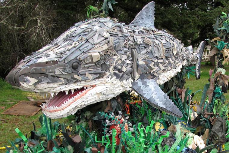 Dieses Hai ist nicht etwa aus Kunststoff gegossen worden, sondern besteht aus lauter kleinen Einzelteilen