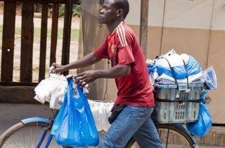 Das härteste Gesetz gegen Plastikmüll