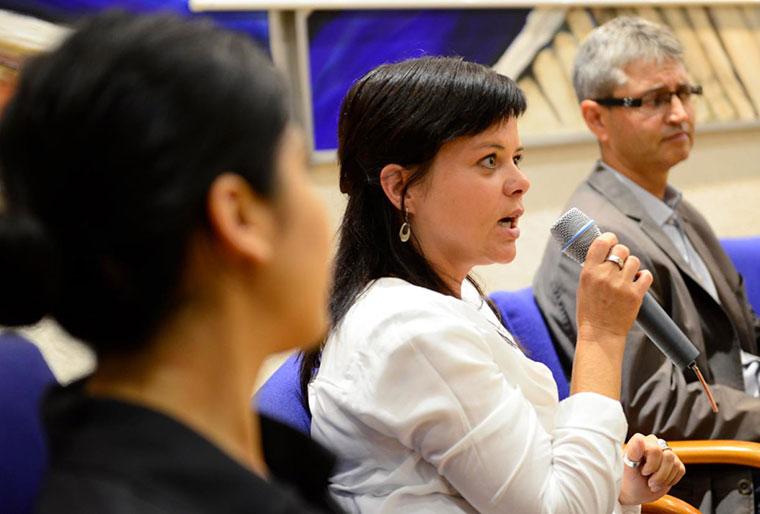 Sabine Röck auf der Klimakonferenz in Nieder-Olm.