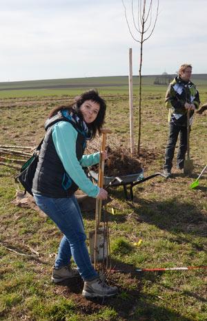 Baumpflanzaktion: ecowoman war dabei und hat einen eigenen Baum gepflanzt