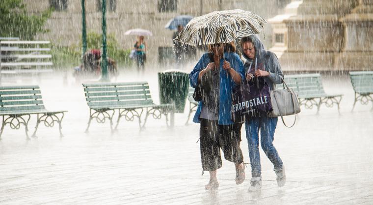 Starkregenfälle, die in Zukunft immer häufiger und intensiver auf uns heruntergehen werden