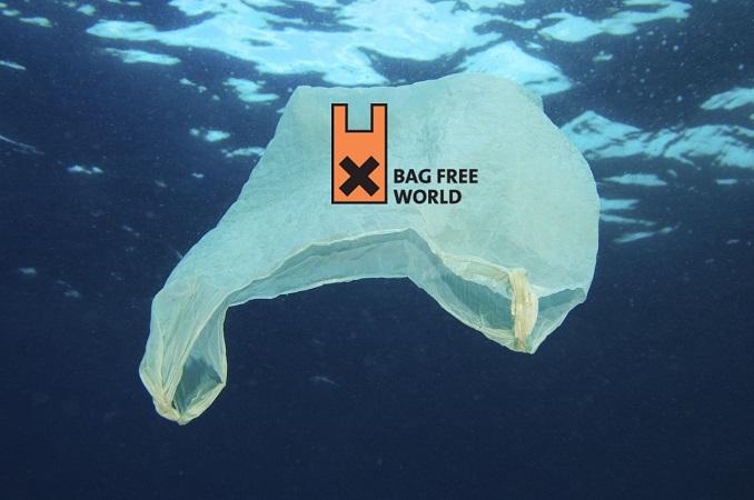 Tüten im Meer sind eine Gefahr für die Natur. © MikaelEriksson/iStock/Thinkstock