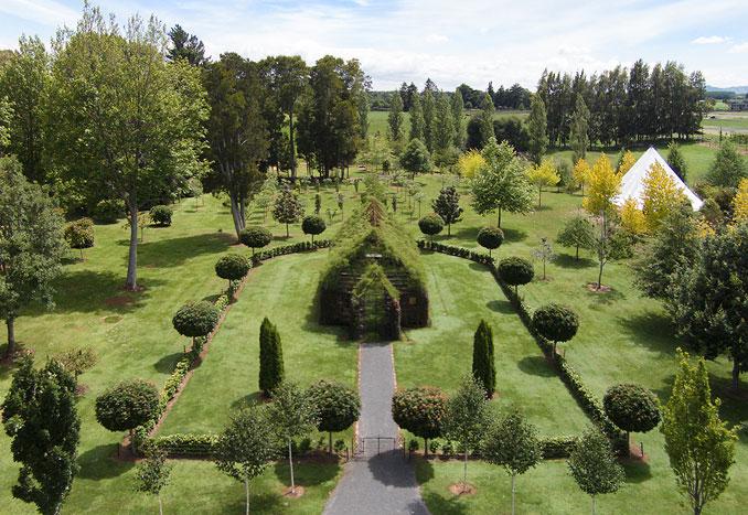 Treechurch mitten im grünen Anwesen