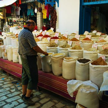 Tunesien verbannt Plastik in Supermärkten