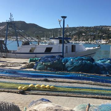 Upcycling-Teppiche aus Fischernetzen