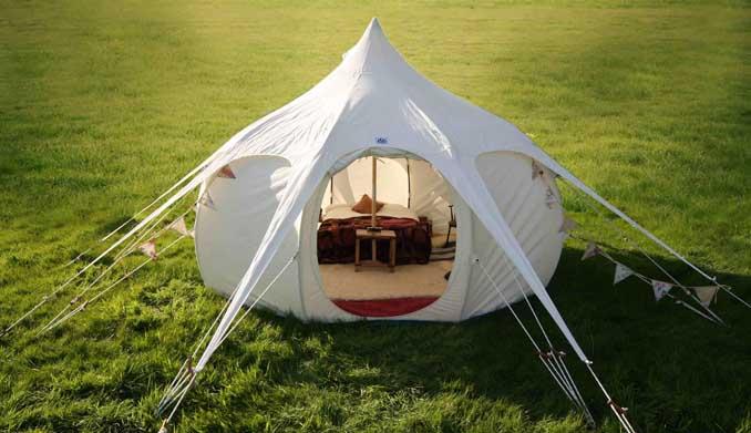 glamping camping mit natur pur und komfort wie im ferienhaus oder hotel. Black Bedroom Furniture Sets. Home Design Ideas