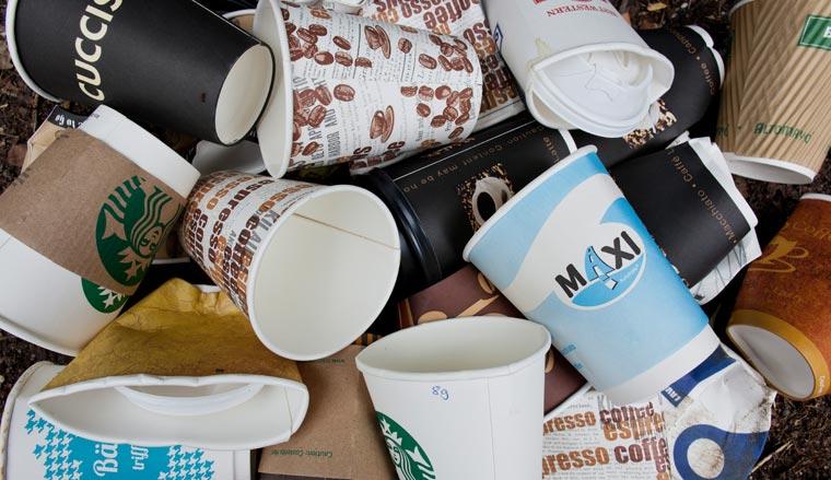 Allein in Deutschland landen mehr als 300.000 Coffee to go Becher pro Stunde im Müll