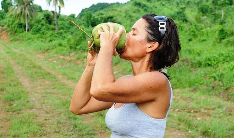 Der Saft der Kokospalme ist ein isotonischer und nährstoffreicher Durstlöscher