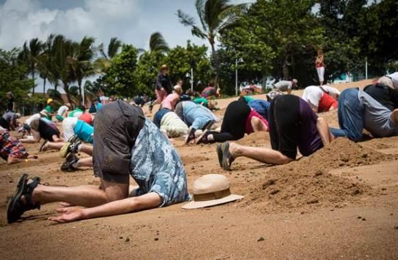 Kopf in den Sand ein beeindruckender Wachaufruf