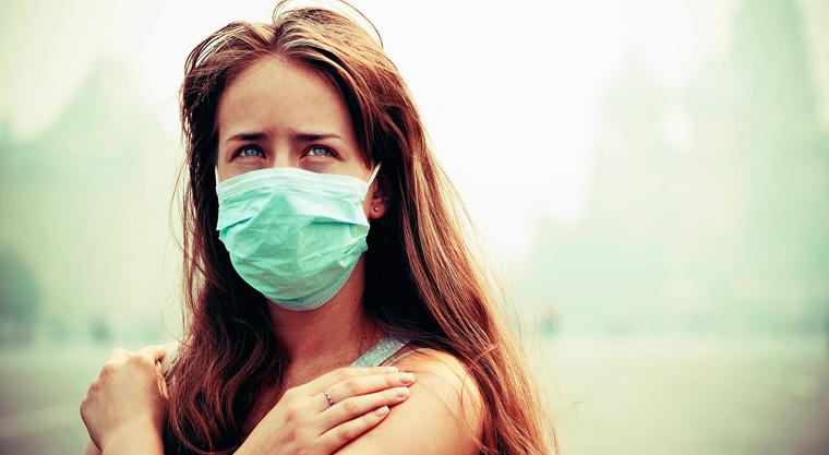 In China können die Menschen schon jetzt kaum noch ohne Mundschutz aus dem Haus gehen.