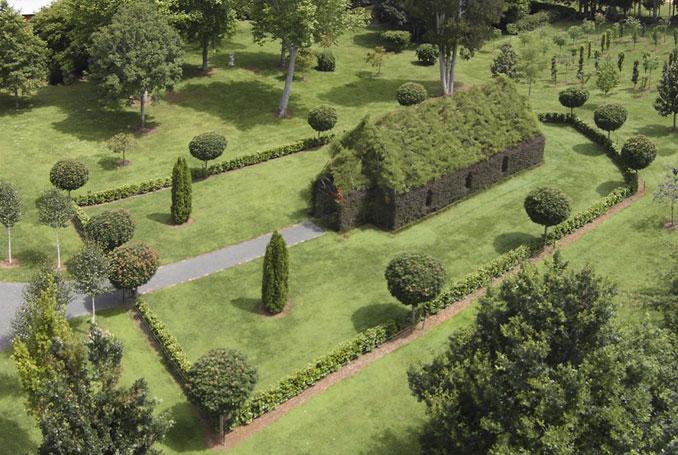 Die treechucrch besteht aus fünf verschiedenen Baumarten