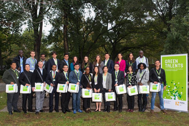 25 junge Nachhaltigkeitsforscher erhalten Preis von Bundesregierung