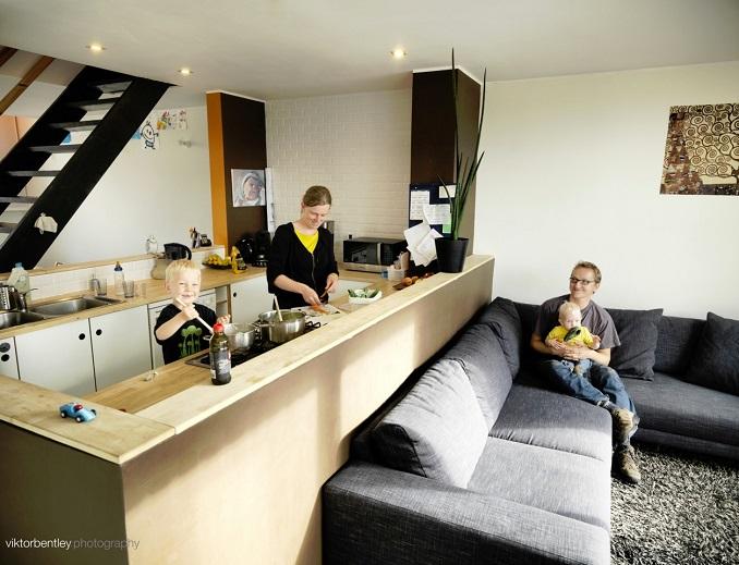 Leben im Niedrigstenergiehaus © Viktorbentleyphotography/ B.&S.U. Beratungs- und Service-Gesellschaft Umwelt mbH